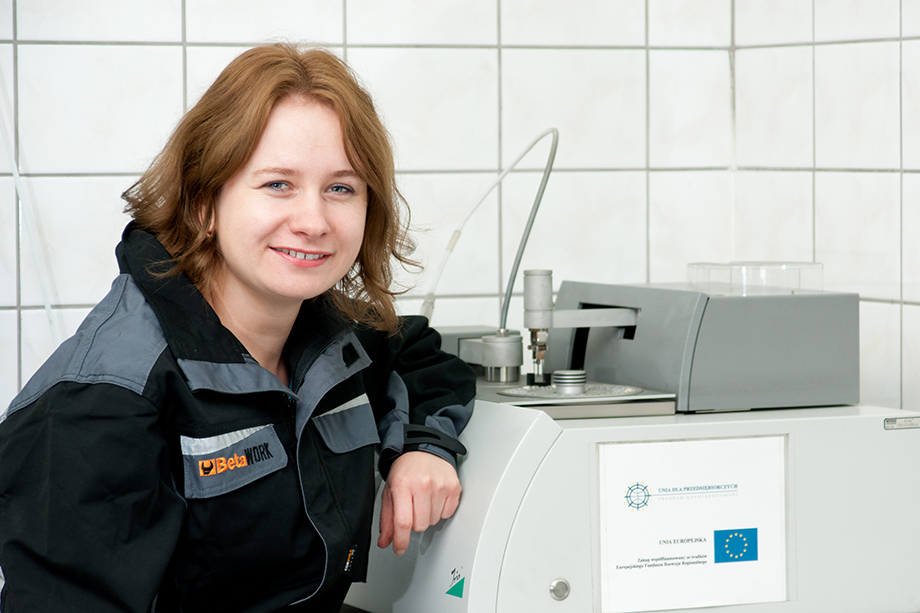 """A future-oriented company with a large growth potential, investing in new technology, gives its employees the opportunity to constantly develop and ensures sustainable employment. In the local market the company is known as an employer caring for the needs of its employees and making an effort to satisfy them"" Agnieszka – Laboratory Employee – at the company for 11 years"