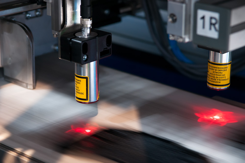 monitoring of the adhesive coating thickness